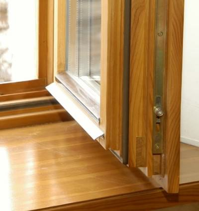 Pros and cons of wooden windows